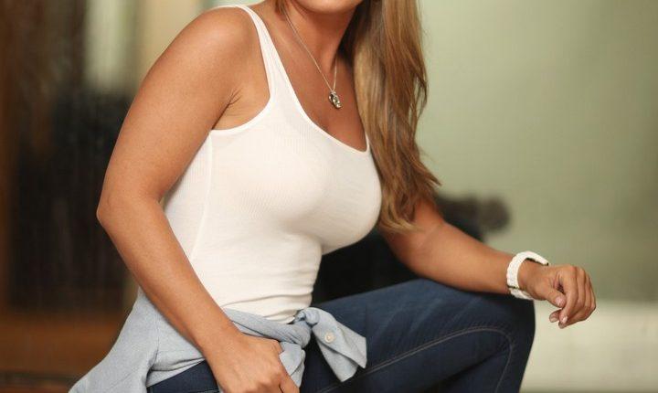 Sheena Monnin (2)
